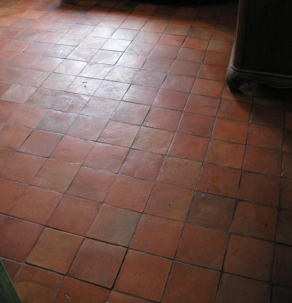 Podłoga cotto - impregnacja pastą woskową