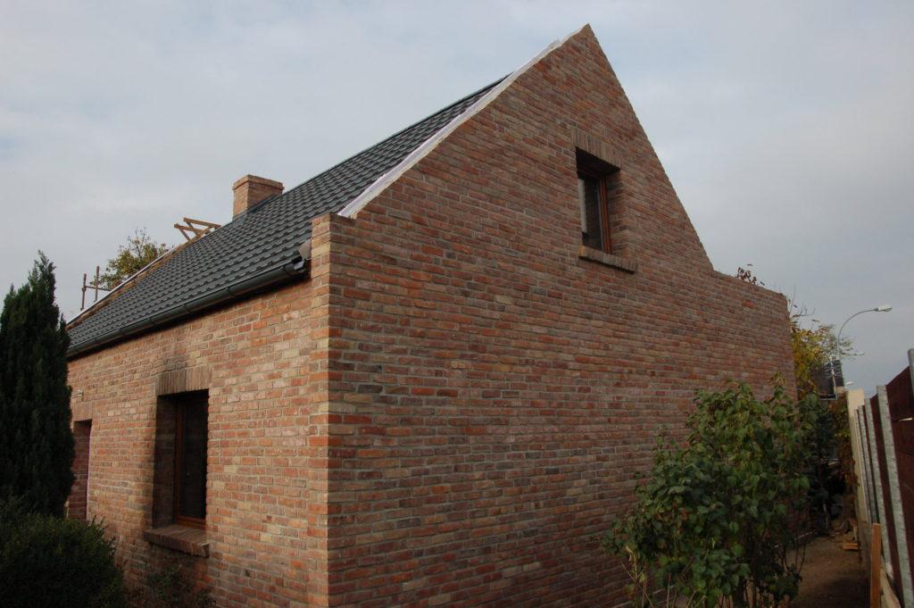 Mur z płytek z cegły