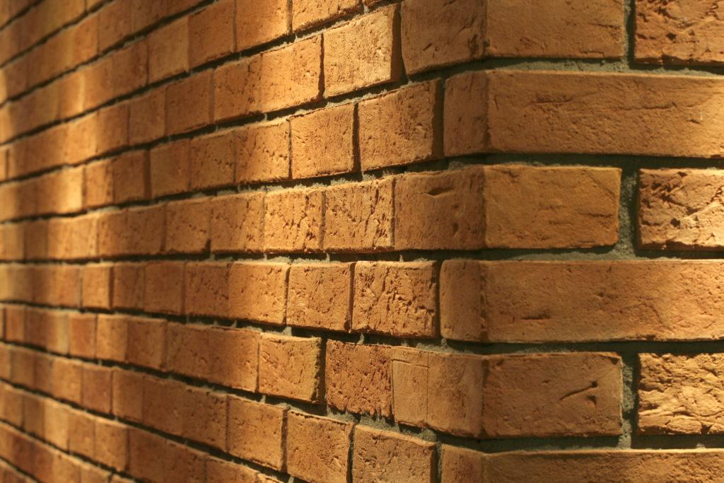 płytki z cegły narożnik